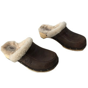 UGG's Leather Mules, Size 6